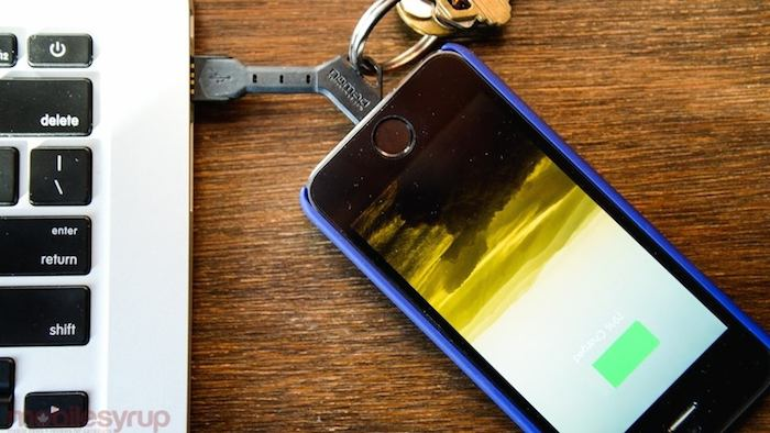 ChargeKey-For-iPhone-55s5c-by-NOMAD-02