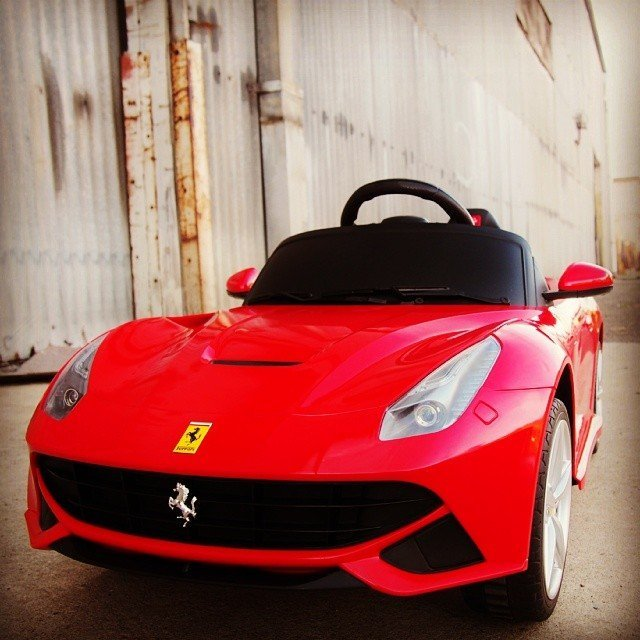 Ferrari F12 Berlinetta Ride On Car