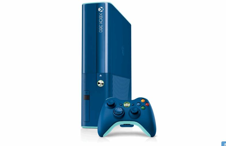 Xbox 360 Blue Holiday Edition Is Just Brilliant