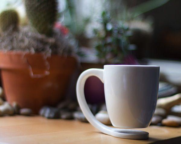 floating-mug