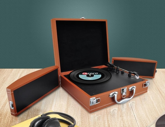 Turntable Boombox In A Suitcase - Pyle PVTTBT8