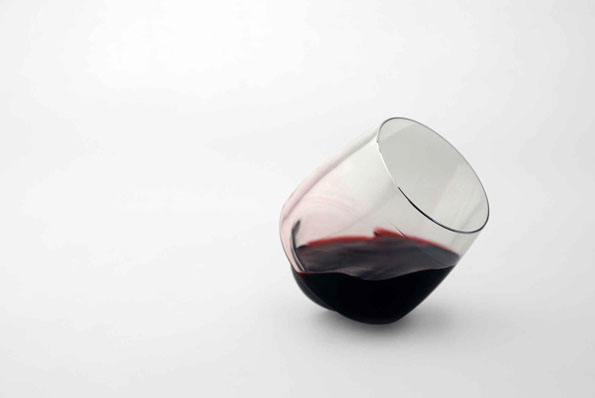 saturn-spill-proof-wine-glass