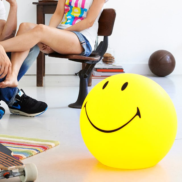 Smiley XL Lamp by Mr Maria