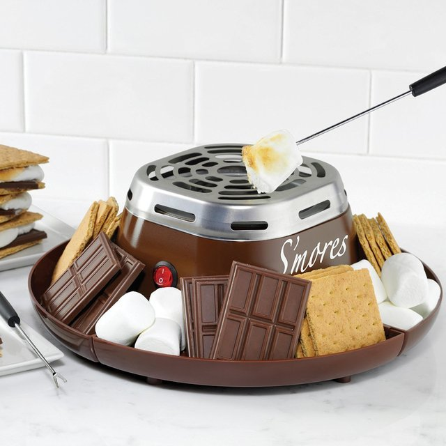 S'mores Maker by Nostalgia Electrics