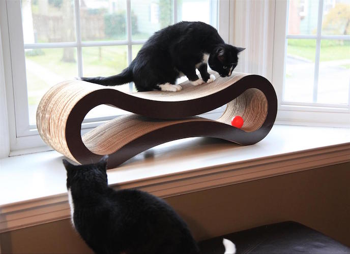 Deluxe Cat Scratcher Lounge by PetFusion