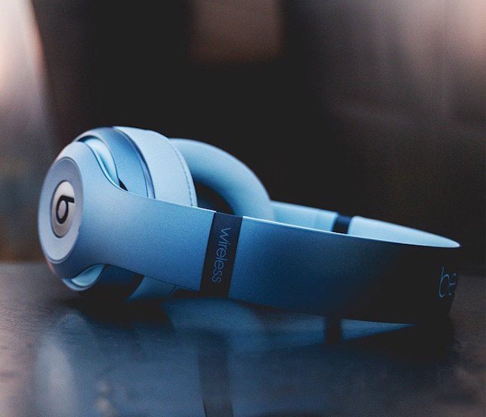 Beats-by-Dre-Metallic-Sky-Studio-Wireless-Headphones-01