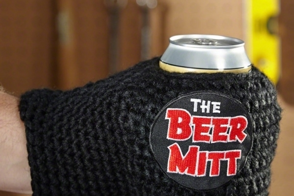 Warm Hand, Icy Cold Drink–It's Possible With the Knitted Beer Mitt