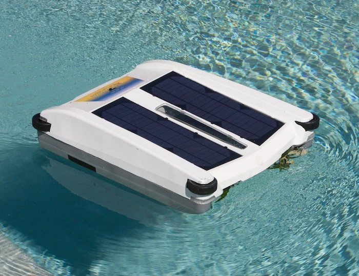 Robotic-Solar-Pool-Skimmer-01