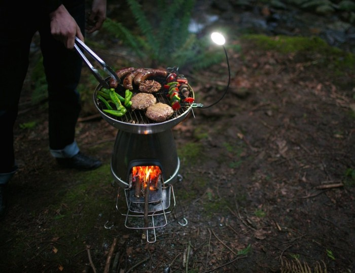 BaseCamp-Wood-Burning-Stove-and-Grill-by-BioLite-01-e1433487465621