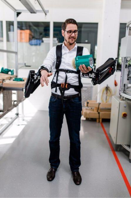 Robo-mate-Exoskeleton-Makes-10Kg-Feel-Like-1Kg-6