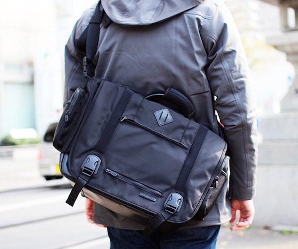 Manhattan-Messenger-Bag-by-Lexdray-01