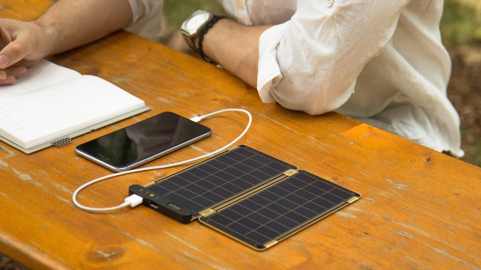 Paper-Thin Solar Charger