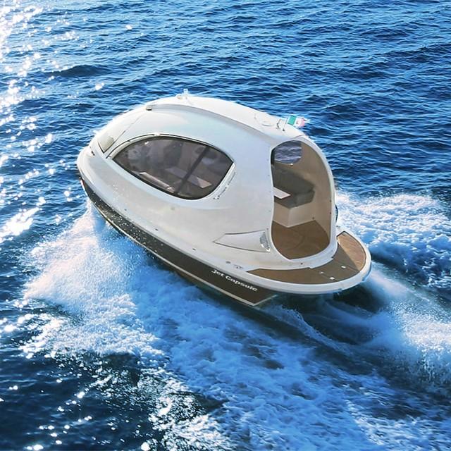 Sylish Jet Capsule Mini Yacht