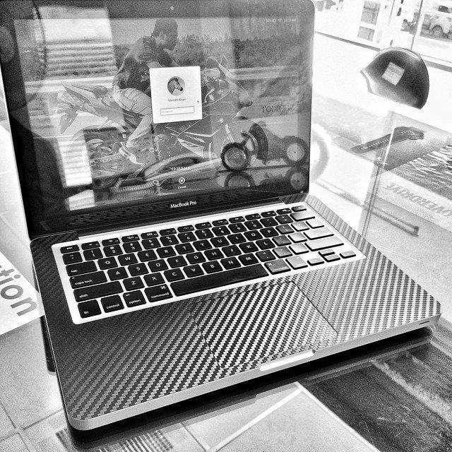 Carbon Fiber Macbook Pro Wrap