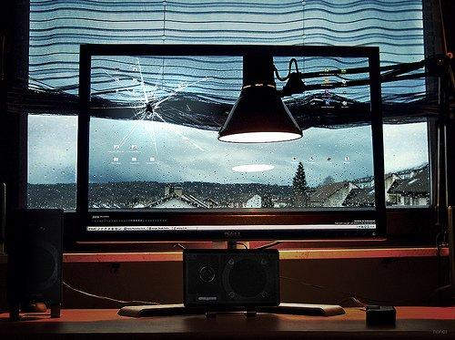 Transparent laptop screen (12)