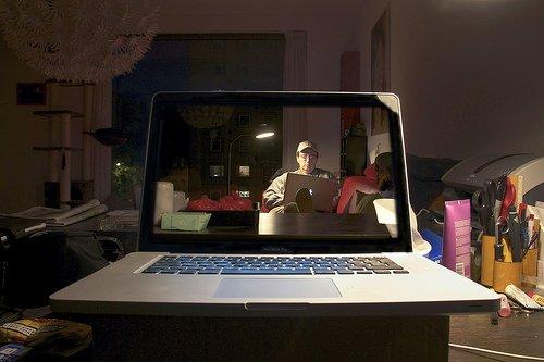 Transparent laptop screen (13)