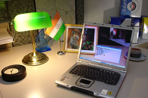 Transparent laptop screen (2)