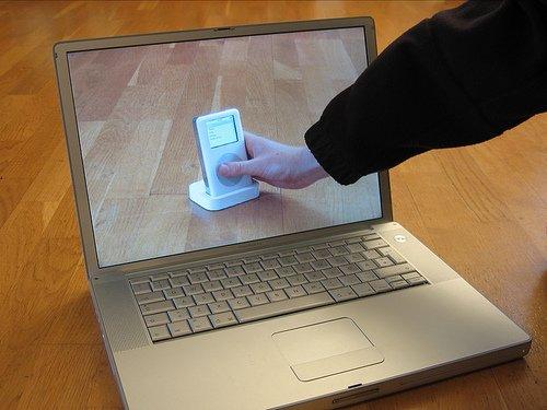 Transparent laptop screen (4)
