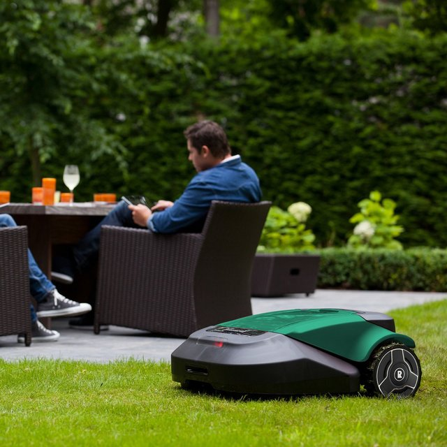 Automatic Lawn Mower - Robomow RS622