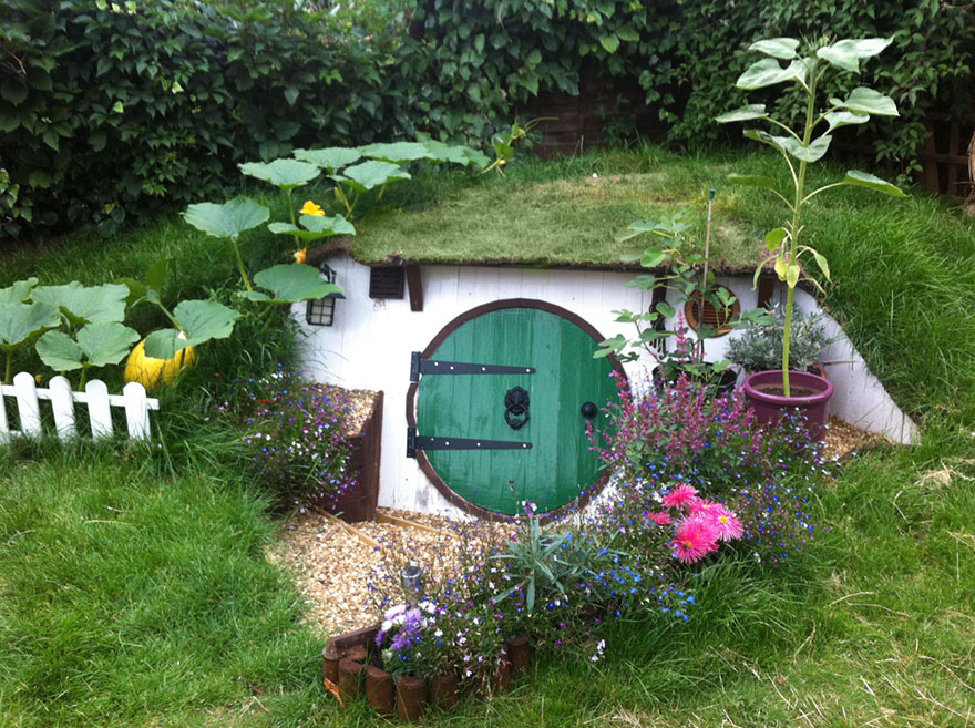 DIY Hobbit House In Your Backyard