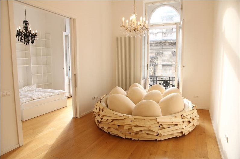 Giant Bird Nest