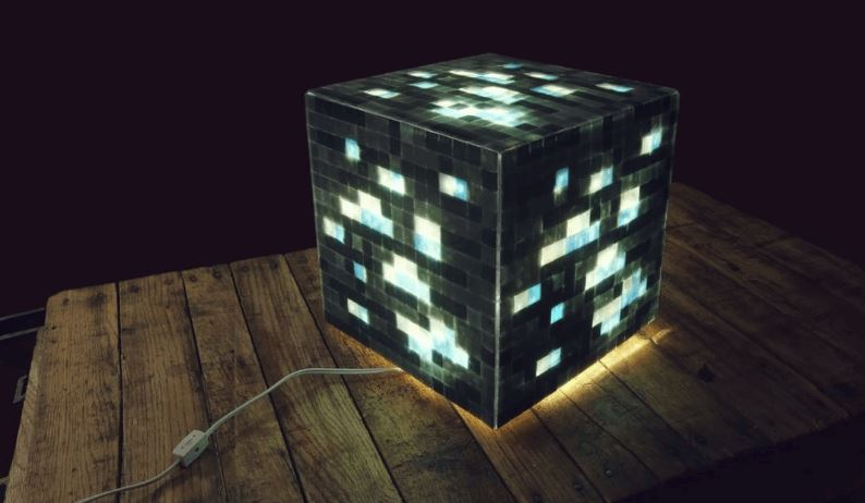 DIY Mosaic Minecraft Lamp