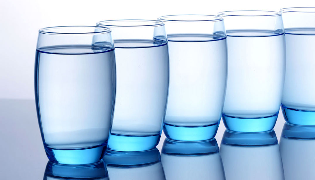 1076×615-should-you-be-drinking-8-glasses-of-water-every-day