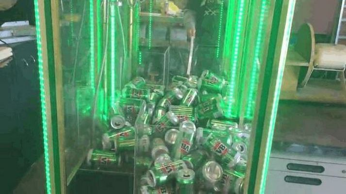 Beer Claw Machine