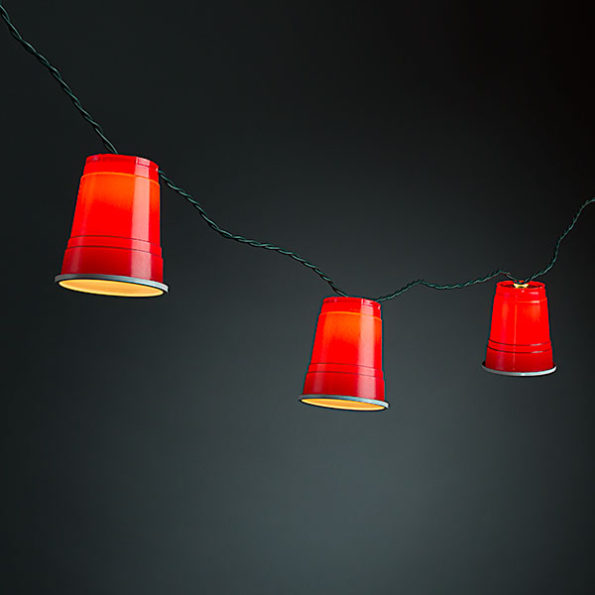 red-party-cup-string-lights-595×595
