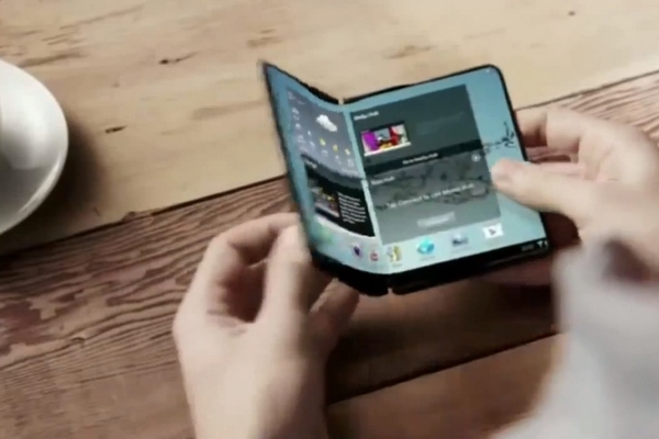 Samsung's Foldable Smart Phone