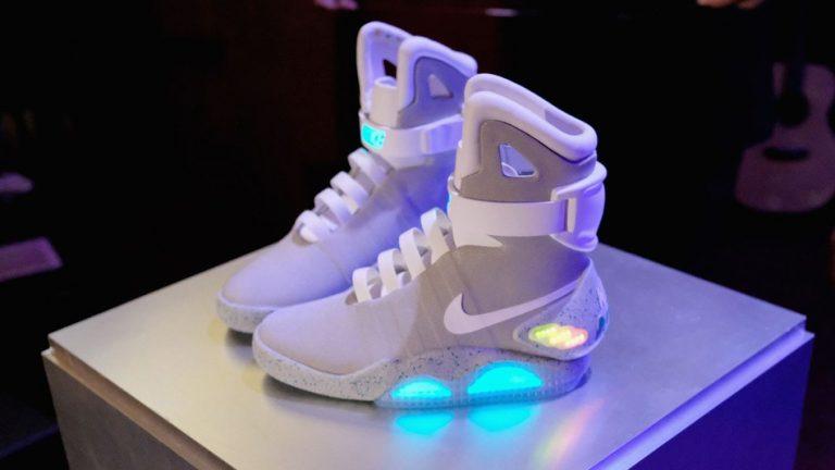 NIKE-Air-Mag-self-lacing-shoes-768×432