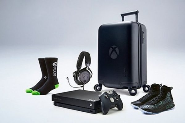 Steph Curry Xbox One X Bundle